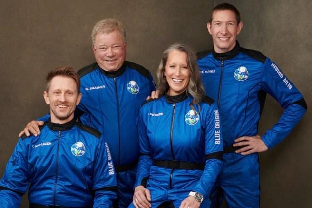विलियम शैटनर, स्टार ट्रेक के कप्तान किर्क, अंतरिक्ष में जाने वाले सबसे उम्रदराज व्यक्ति बने
