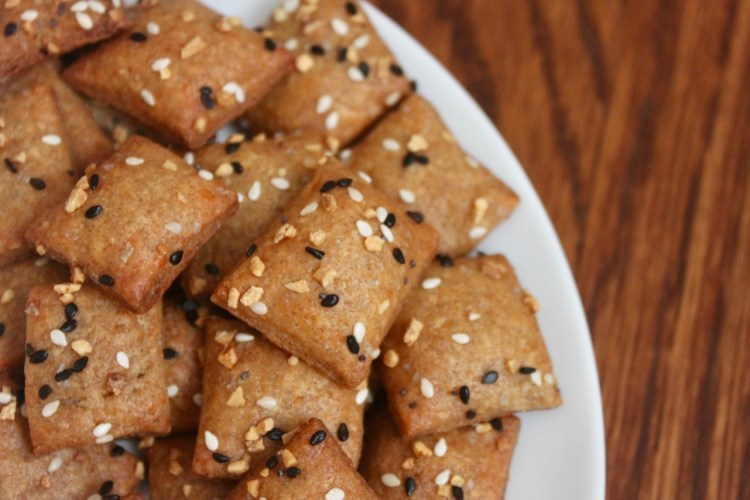 Cheddar Cheese Crackers with Whole Wheat and Almond Flour