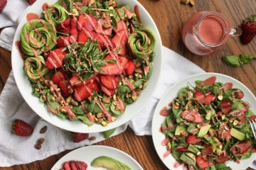 vegan strawberry avocado salad recipe