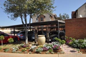 Hilltop Lofts 22 Fully Furnished 1 Bedroom Apartment To Let in Hilltop Lofts Security Complex Midrand Gauteng by Feel-at-Home Properties