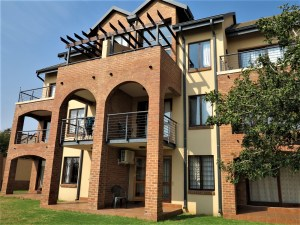 Hilltop Lofts 83 is a 1-Bedroom Apartment To Let in Carlswald Midrand by Feel-at-Home Properties