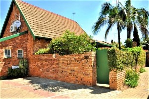 Langsaan 30 is a Fully Furnished 2-Bedroom Townhouse To Let in Garsfontein Pretotia East by Feel-at-Home Properties