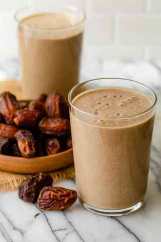 Date Shake {High Protein + Fiber} | FeelGoodFoodie
