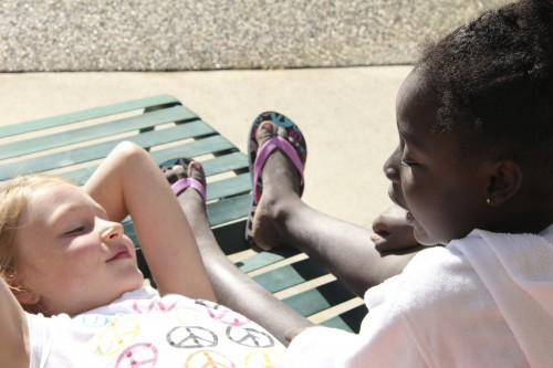 FeelGood Quickie: Girls talking