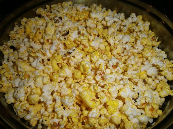 Dangers of Microwave Popcorn | How to make popcorn