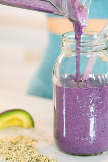 HORMONE BALANCING SMOOTHIE to Boost Mood & Energy
