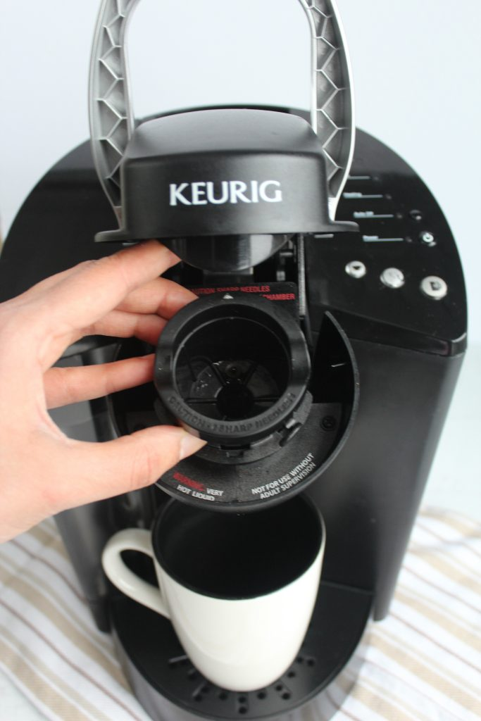 how to clean keurig pod holder
