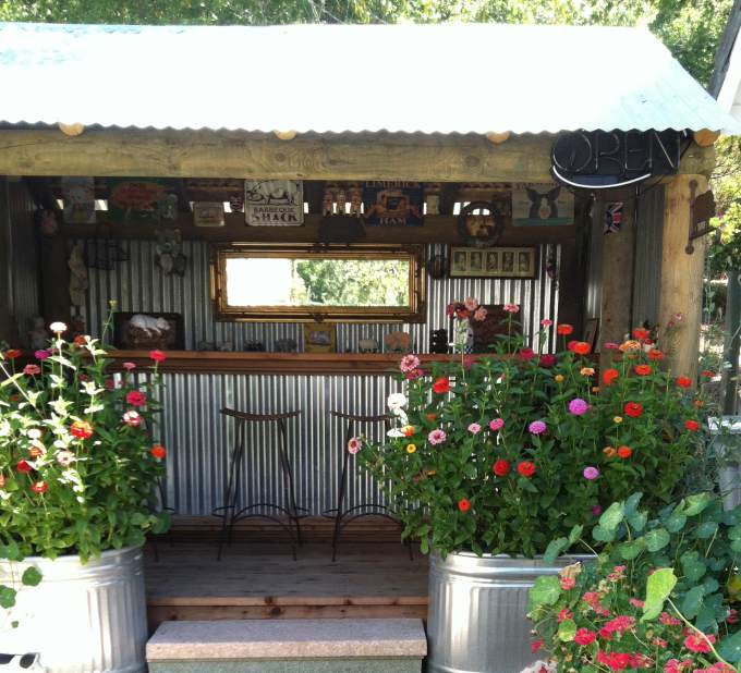 Backyard Bar Ideas That Will Spice Up The Atmosphere on Best Backyard Bars  id=71979