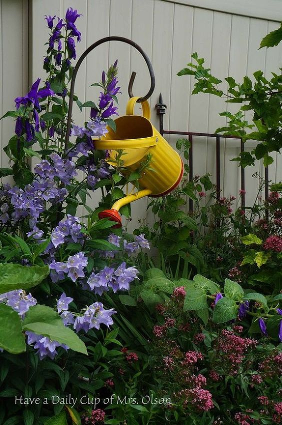 Colorful Garden Decor Ideas That Will Blow Your Mind on Garden Decor Ideas  id=45263