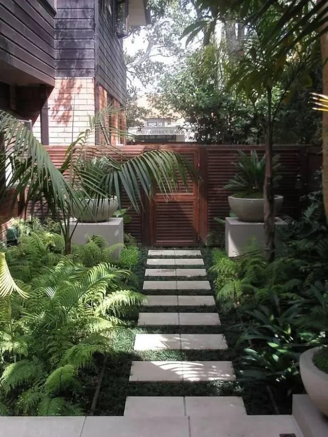 Fascinating Garden Walkways For Modern Outdoor Setting on Backyard Landscape  id=91160