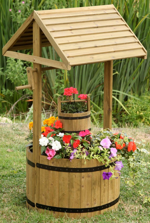 Wooden Garden Features That Are Simply Amazing on Backyard Patio Landscaping id=46918