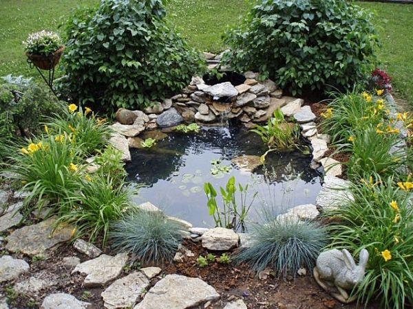 Beautiful Garden Ponds That Will Catch Your Eye on Small Backyard Pond id=87795