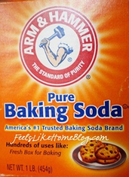 Fun baking soda experiments for kids - These awesome uses for baking soda are great for teachers and children at home or in the classroom. Simple and easy chemical reactions using vinegar and water and other solutions. Toddlers and preschoolers and kindergarten and even older elementary students can experience good learning through these awesome activities. Includes how to make reactions for chemistry science fair projects or just everyday fun.