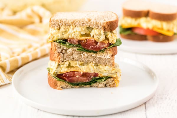 sandwich sliced in half