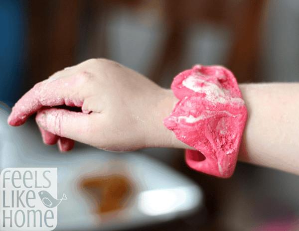 how to make coloured salt dough - bracelet