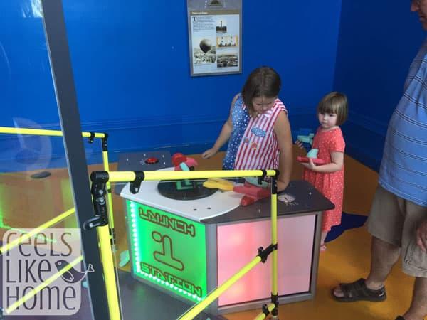 Kids Room Standing Light