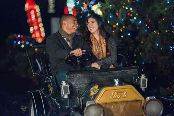 hersheypark-christmas-candylane-antique-cars