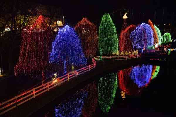 hersheypark-christmas-candylane-lights