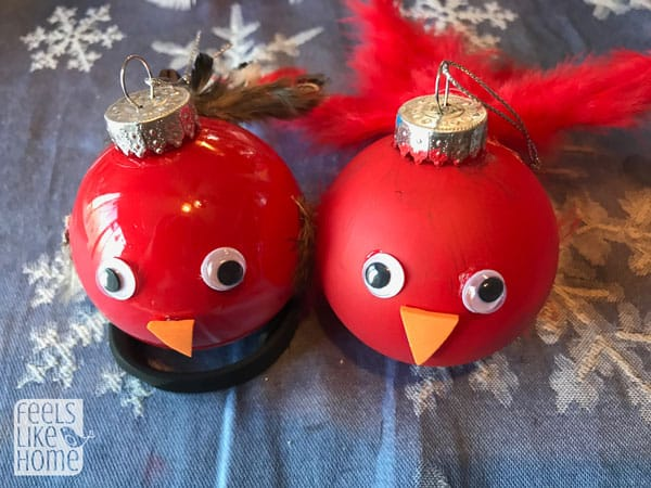 A bird Christmas ornament