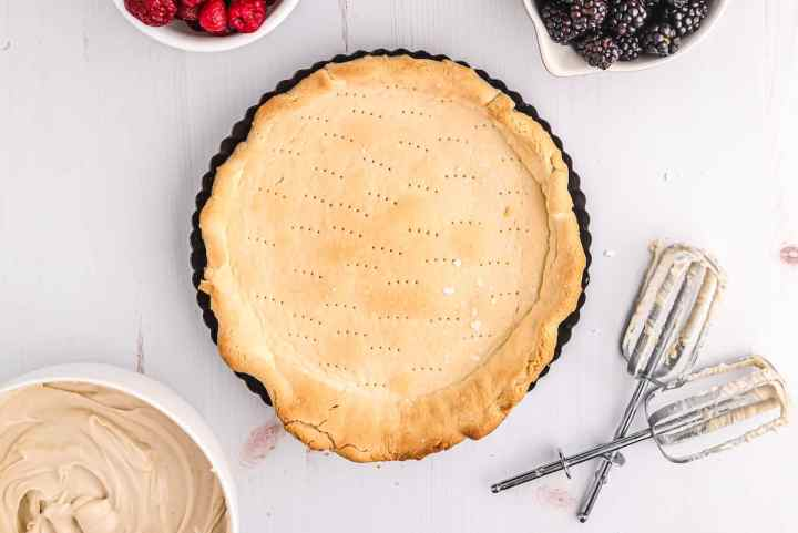 allow tart crust to cool completely before filling with cream cheese filling
