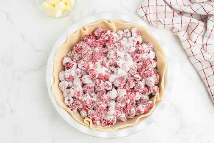fill the crust with berries