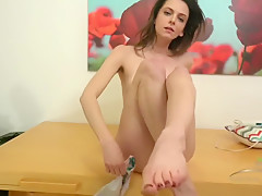 Amateur Girl With Hairy Pussy Showing Off Her Toes While Masturbating