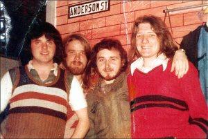 IRA'dan hapse düşenler: Soldan sağa Tomboy Loudon, Gerard Rooney, Denis Donaldson ve Bobby Sands