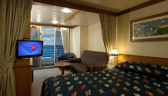 Deluxe Family Stateroom with Verandah Disney Wonder
