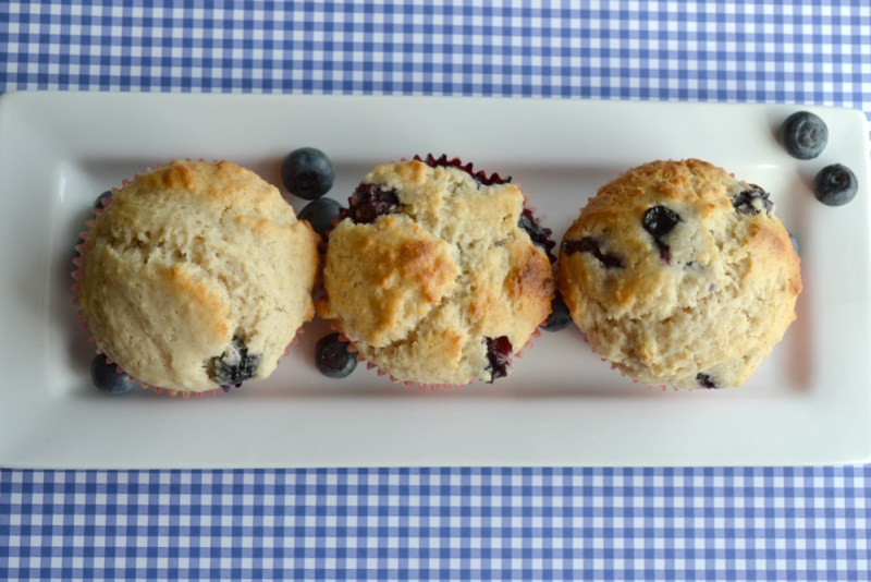 Easy blueberry muffins recipe - lemon juice and cinnamon are the secret ingredients here (whoops, not so secret now!)