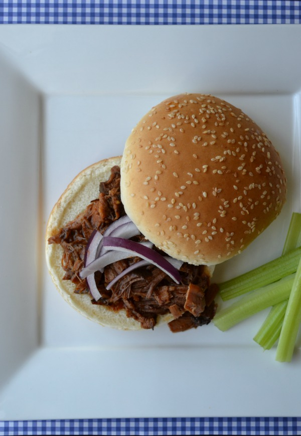 Slow Cooker BBQ Beef Sandwich