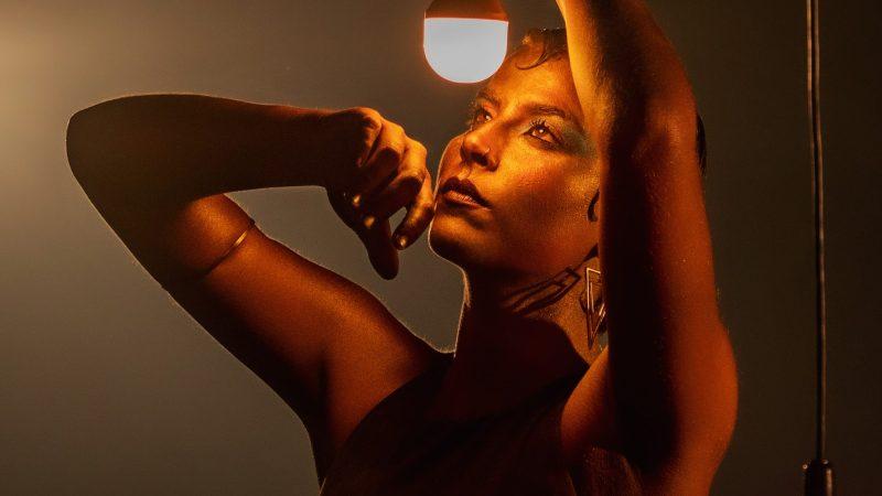 """Serena apresenta novo single e clipe """"Dengo"""""""