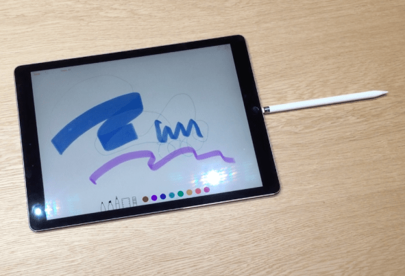 ipad_pro_apple_pencil_plugged_in-100613525-orig
