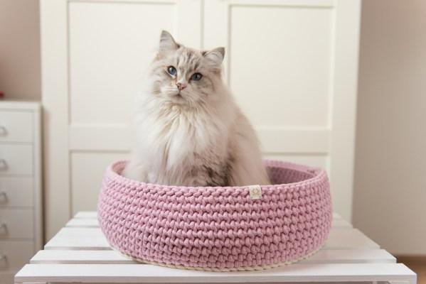 Legowisko dla kota różowo-kremowe