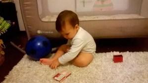 Cosmin se joaca