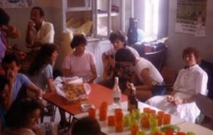 Tiempo de esparcimiento en la sala de profesores, curso de inglés en Murguía, hacia el año 1980