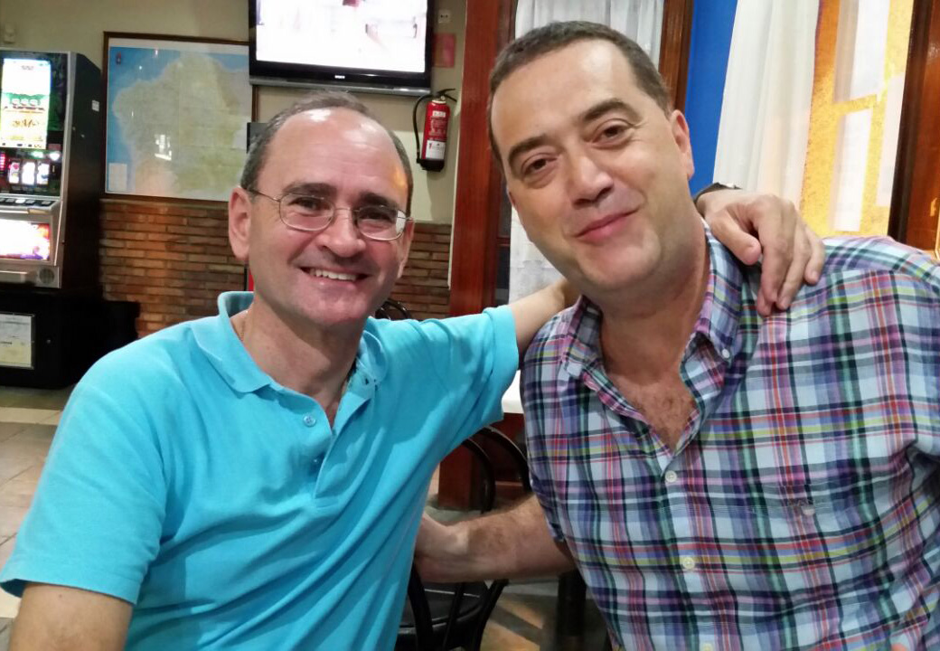 El ahora P. Mitxel Sagastagoitia con Natxo Molinos