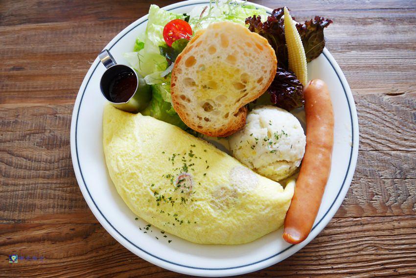 台中早午餐︱hoyo café~西區國美館綠園道老屋咖啡館 驚豔美味早午餐 吃不完打包抵兩餐