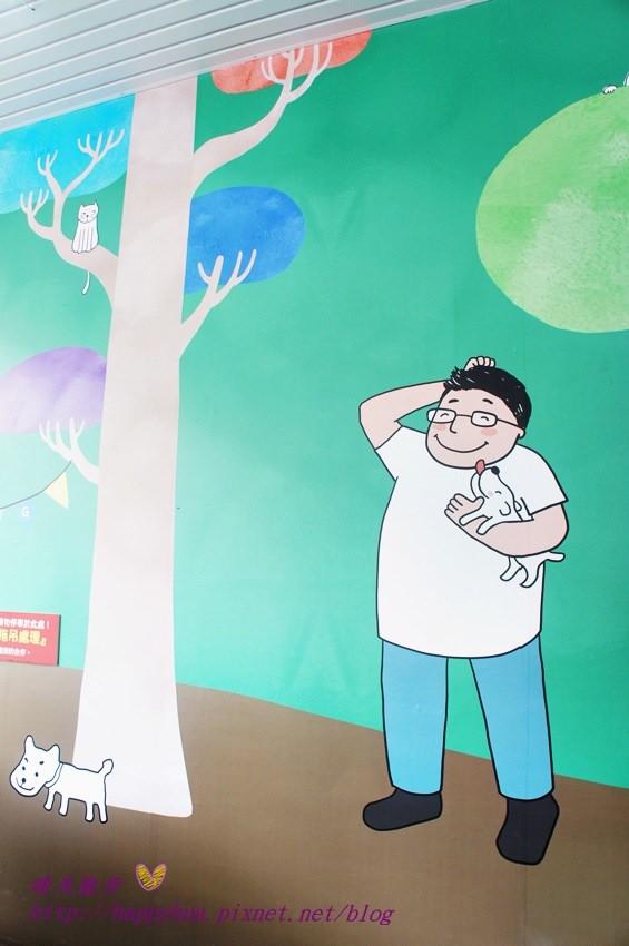 劍橋動物醫院北屯分院~有貓有狗有朋友 平民化的精緻醫療 大獸醫師坐鎮的插畫風動物醫院 歡迎毛小孩主人旁觀手術 透明玻璃通通看得見