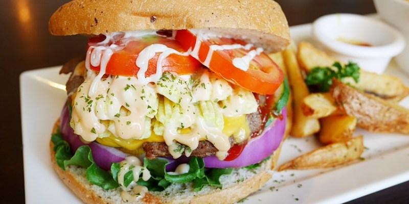 東區早午餐 漢堡巴士Burger Bus~傳統英式早餐、英式漢堡專賣店 英國開車玩一圈 結合藝術和美食的英國風文青餐館