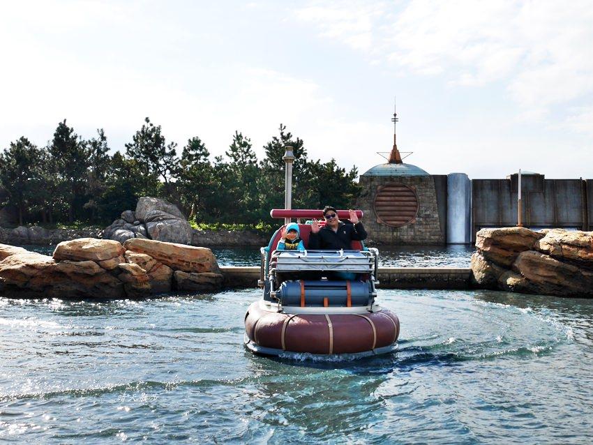 東京迪士尼海洋 發現港~水上逗趣船:老少咸宜不驚險 其實不是碰碰船