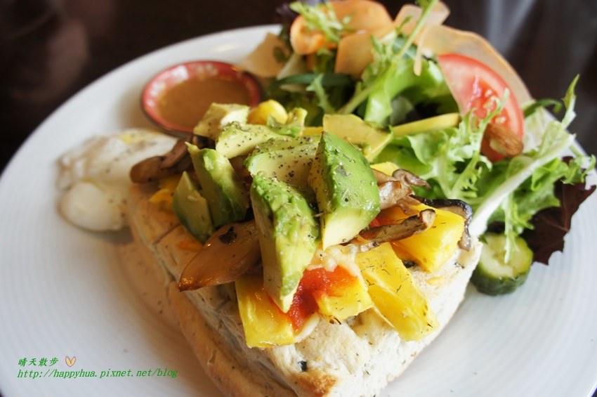 西區早午餐|畢洛雅咖啡館~餐點選擇豐富 走清爽健康風的早午餐 近台中教育大學、國美館