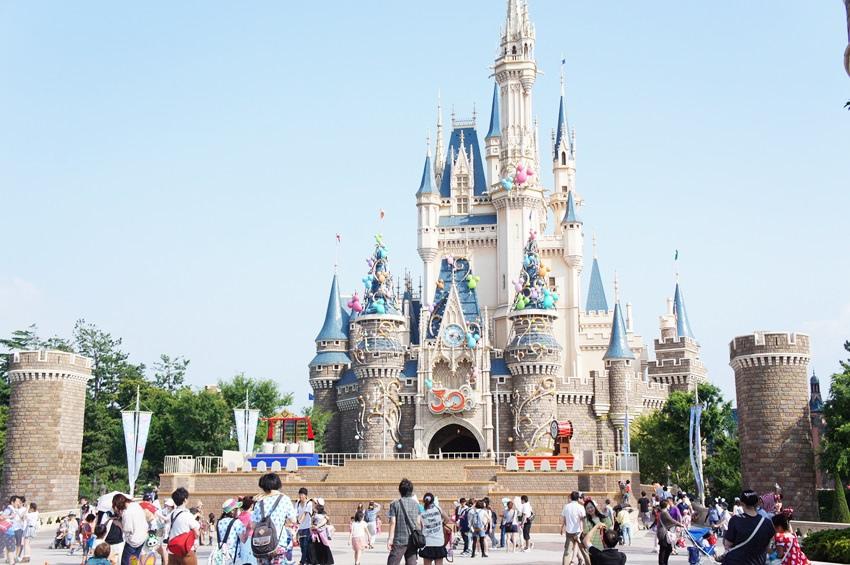 東京迪士尼親子版攻略2~一煙火 二遊行 三表演 不驚險不刺激不轉圈的親子必玩設施