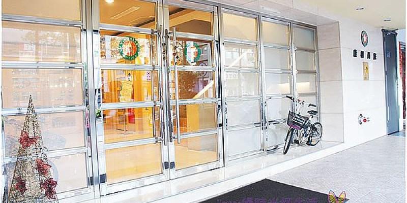 高雄住宿|康橋商旅城市之星漢神館~寬敞半隔間的豪華四人房,衛浴明亮又高檔