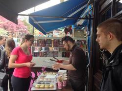 Choosing our cupcakes!
