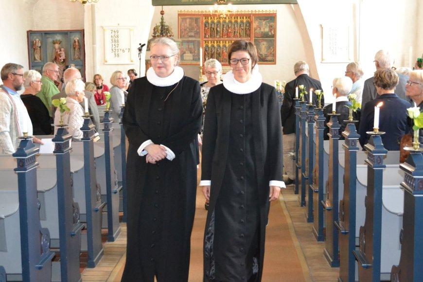Indsættelse af den nye sognepræst Theresia Treschow-Kühl ved i Felsted Kirke Foto: Kai Eskildsen Møller.