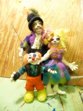 124-circusfamilywhole