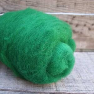 Kettle Dyed Needle Felting Wool Emerald Green 1 Ounce Batt