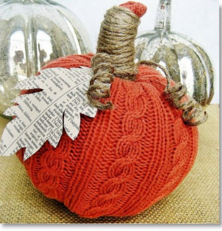 EASY SWEATER PUMPKINS