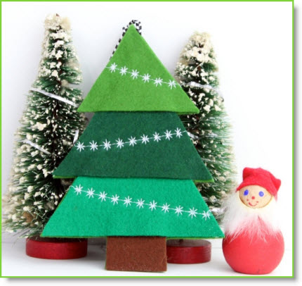 karin owns leigh laurel studios is based in new hampshire karin has the loveliest felt ornaments for us to make she decorated hers on a sewing machine - Christmas Decorations To Make With Sewing Machine