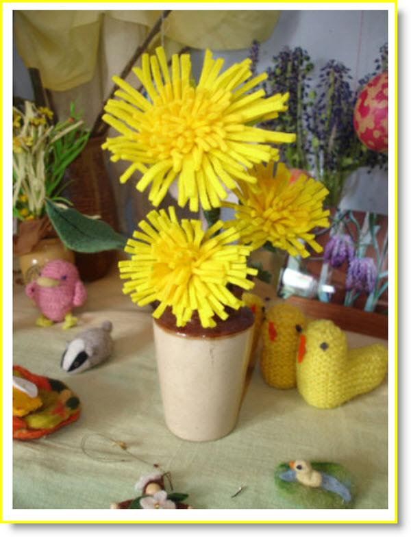 felt dandelion tutorial